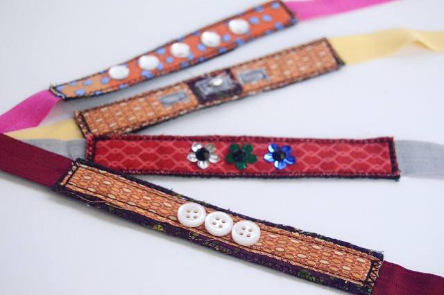 Embellished scrap fabric bracelets - TUTORIAL