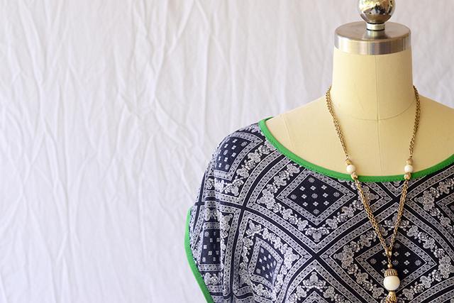 slouchy_shirt_bandana_neckline
