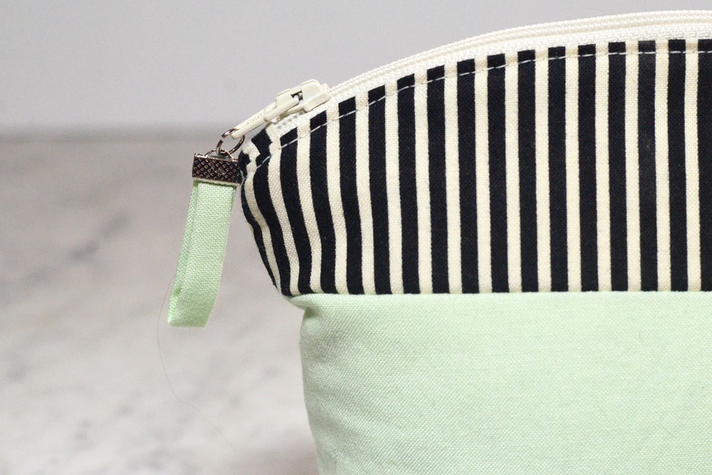 Fabric Tab Zipper Pull Tutorial - easy fabric zipper pull
