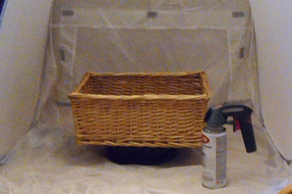 Easy Way to Spray Paint a Basket + Custom Basket Liner Tutorial
