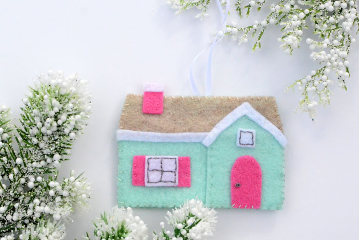 Felt House Christmas Ornament - Free Pattern