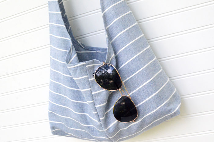 Slouchy DIY sling bag from tea towels – Free Sewing Pattern