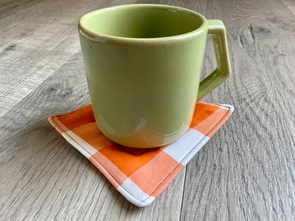 Easy fabric coasters by Beginner Sewing Projects