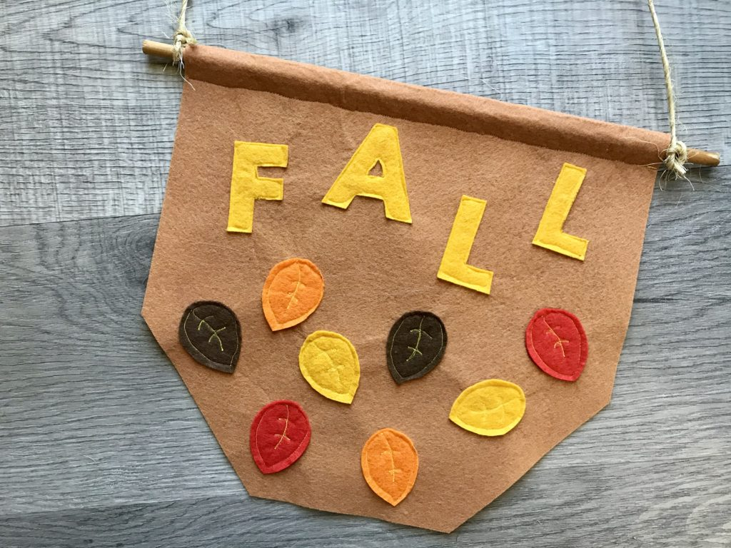 Fall leaves banner by Easy Felt Crafts