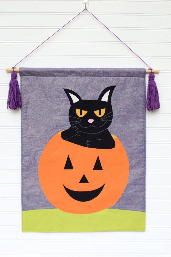 DIY Halloween Black Cat Banner - Free Sewing Pattern