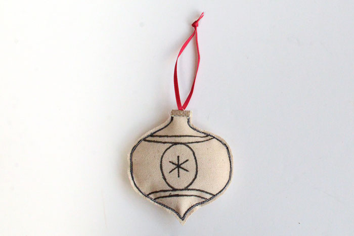 Keepsake Christmas Ornaments Kids Can Make - Step 12