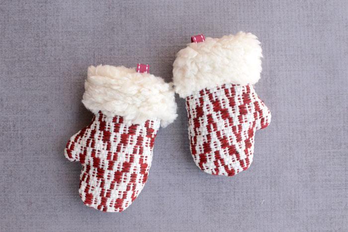 Mini Mitten Christmas Ornament - Free Sewing Pattern
