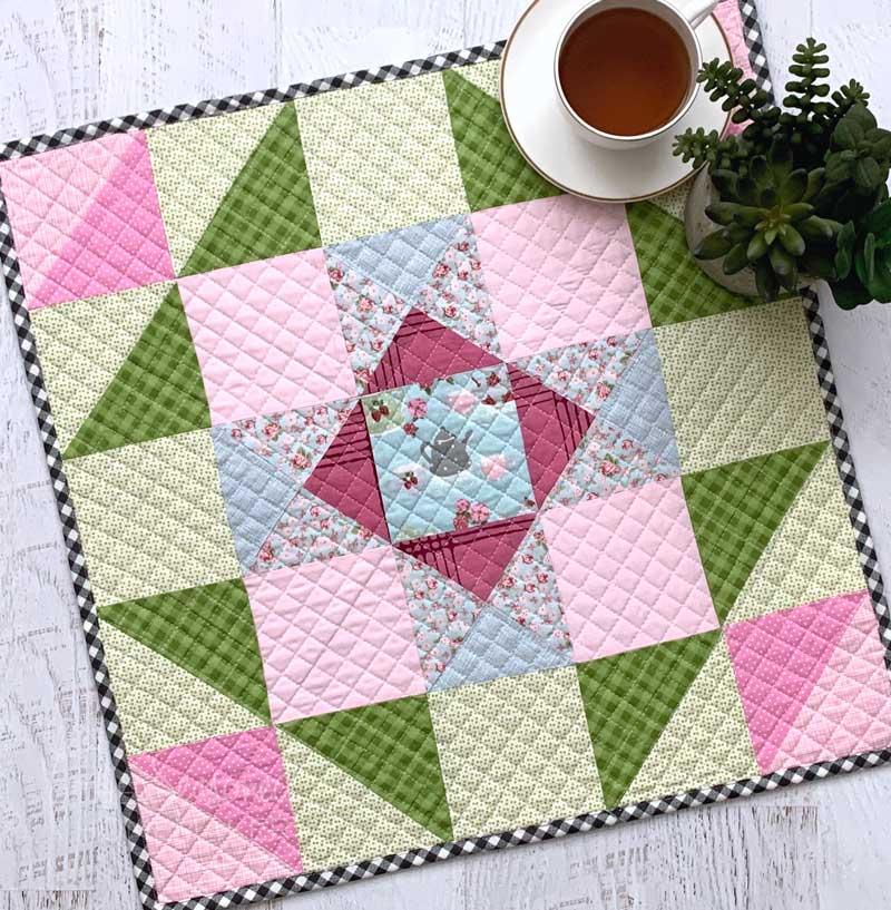 Spring & Easter Mini Quilt by The Seasoned Homemaker